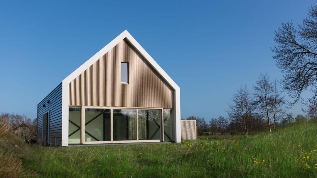Huis-fam-Landweer-Nijkerkerveen-1bwrkt-scaled-1080x607